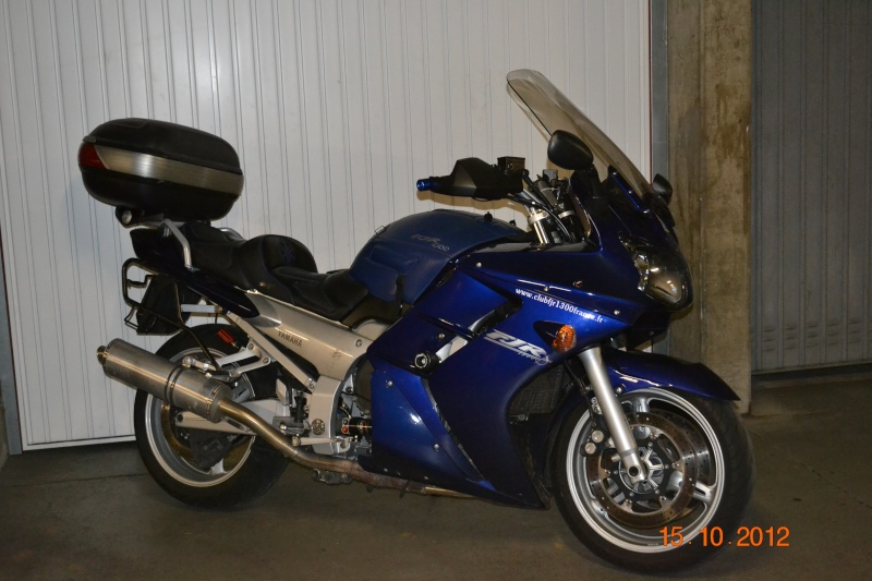 A vendre FJR 1300 bleu de 2003 Dsc_0010