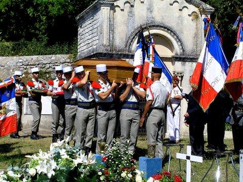 Hélie Denoix de Saint Marc est décédé - Page 2 P8311710