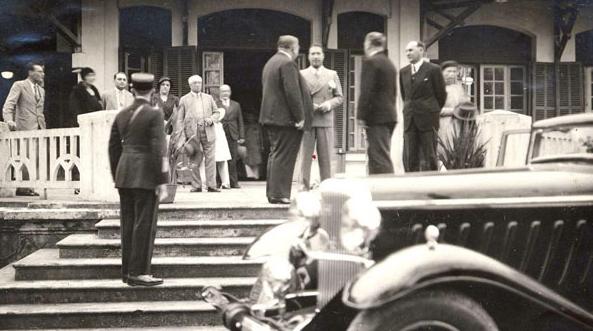 voitures de maréchaux, de generaux, de chefs d'état, de celebrités..... - Page 2 08_bao10