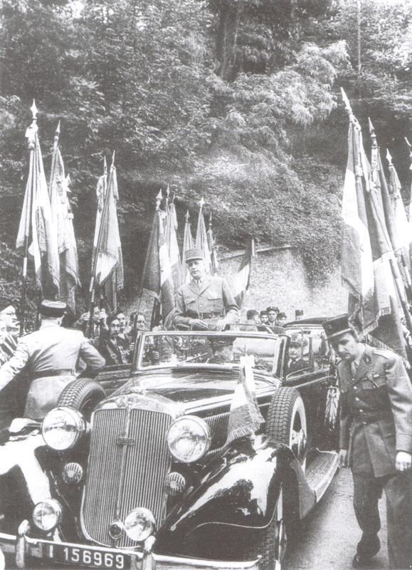 voitures de maréchaux, de generaux, de chefs d'état, de celebrités..... - Page 2 Horch_12