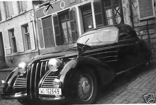 automobile en uniforme - Page 5 Lanci_10