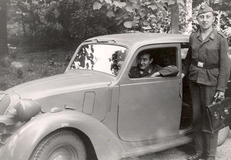 automobile en uniforme - Page 5 Luftwa10