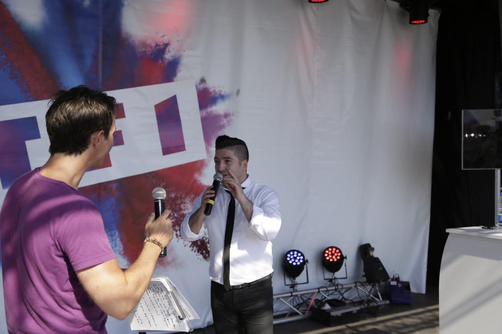 Photos de Chris et l'équipe de la Tournée TF1 à Valras C2a88310