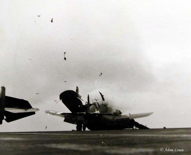 F4U CORSAIR Crash_10