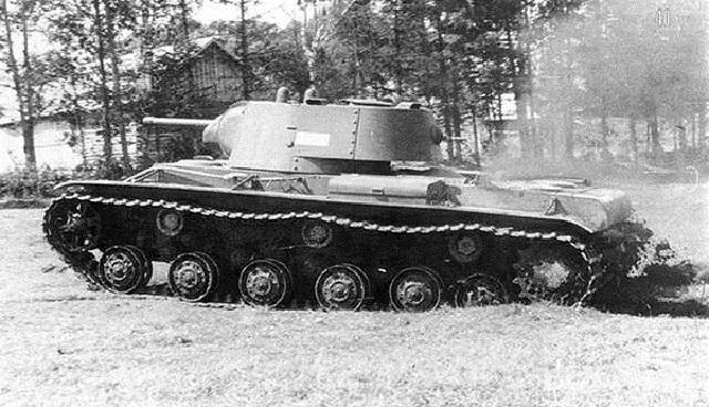 La Série des KV Kv-1_110