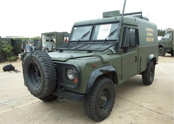SCX10 - conversion Defender 90 Image16
