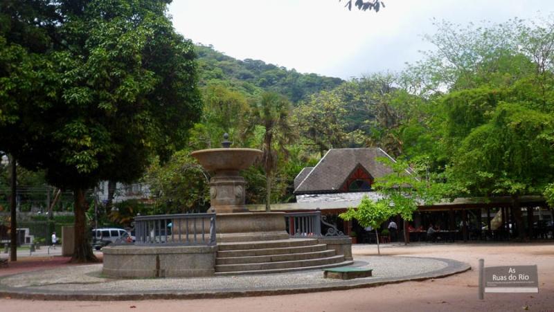 [CAERN] Entrada Norte - Praça Afonso Viseu - Tijuca (Zona Norte) Pavise10