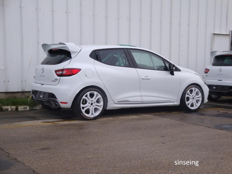 [Officiel] Photos et infos de la Clio IV RS Dsc01428
