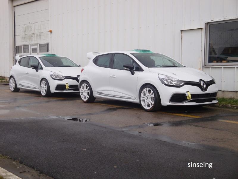 [Officiel] Photos et infos de la Clio IV RS Dsc01430