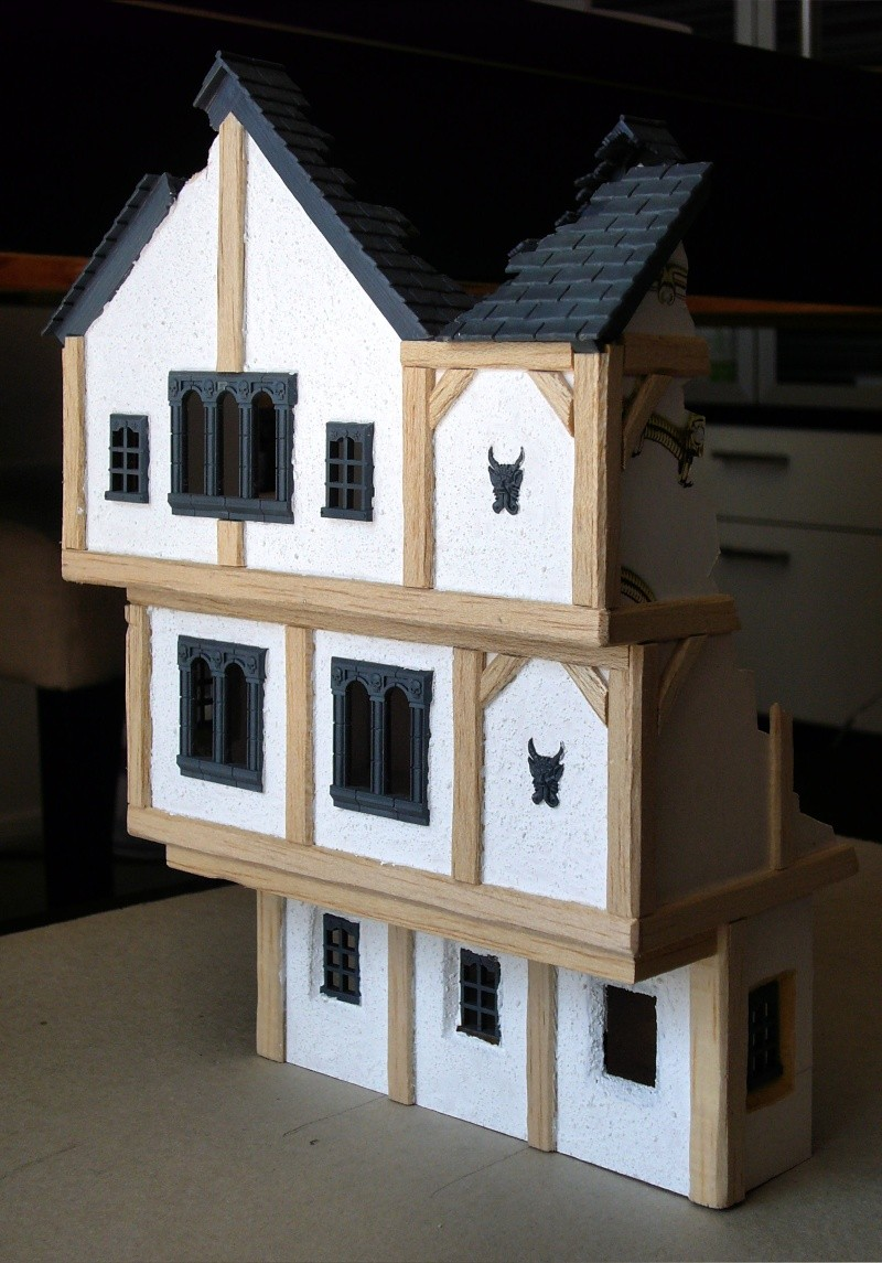 Building Mordheim, Lion Style P1050519