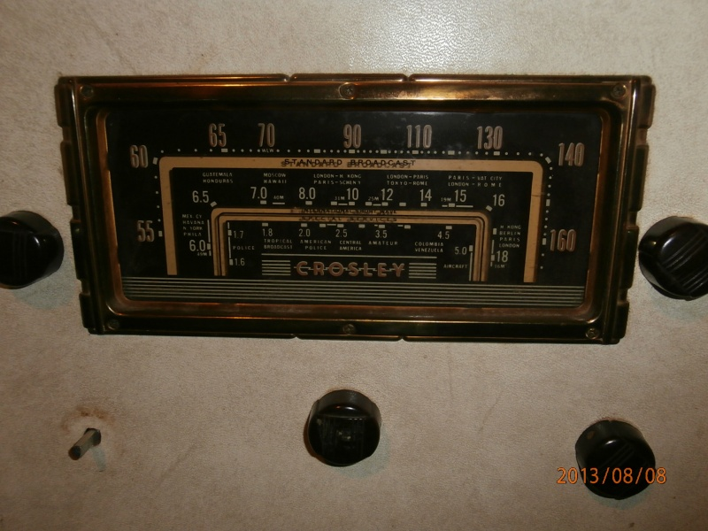 Crosley model 25 AM/SW/Special services (1.5-5.0MHZ) console P8080011