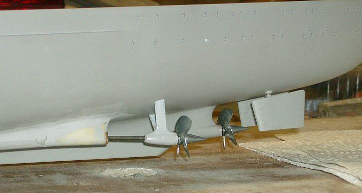 1:200 Bismarck von Trumpeter, nun auch bei mir auf der Werkbank Hpim0610