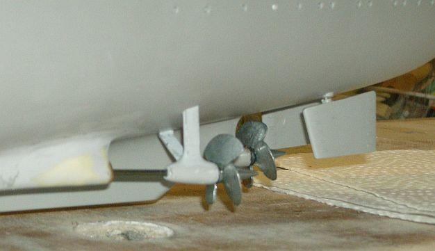 1:200 Bismarck von Trumpeter, nun auch bei mir auf der Werkbank Hpim0611