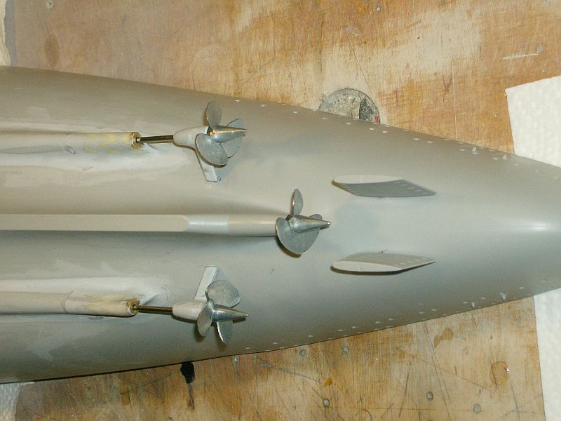 1:200 Bismarck von Trumpeter, nun auch bei mir auf der Werkbank Hpim0617