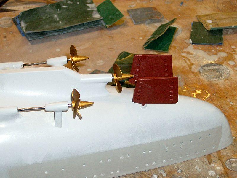 1:200 Bismarck von Trumpeter, nun auch bei mir auf der Werkbank Hpim0710