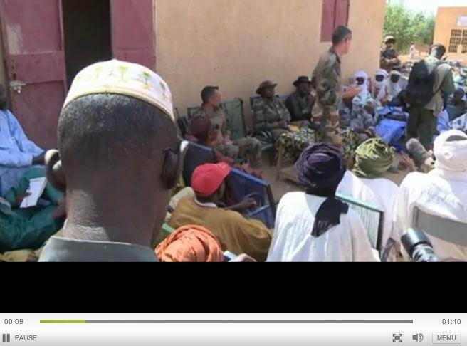 Réunion de travail entre l'armée française et le maire de Gao: Mali_c10
