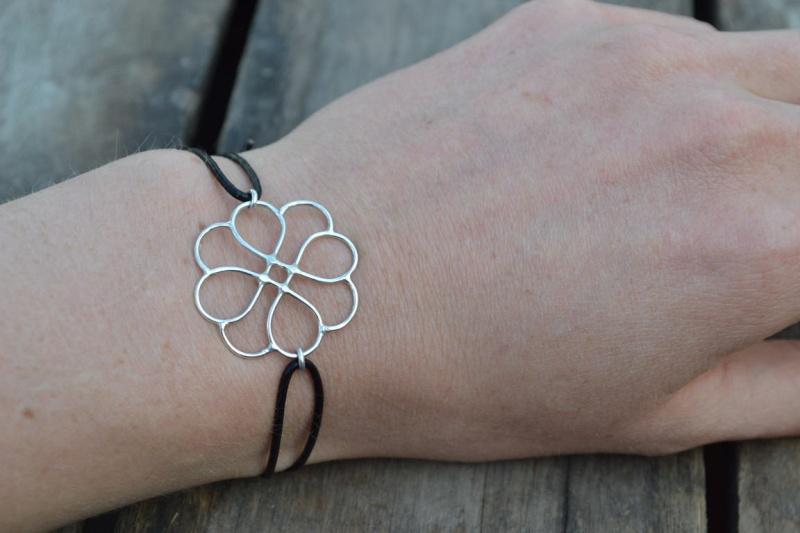 Bracelet fleur Bracel11