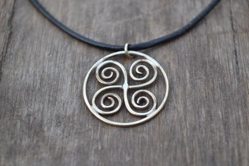 Pendentif quatre spirales Penden10