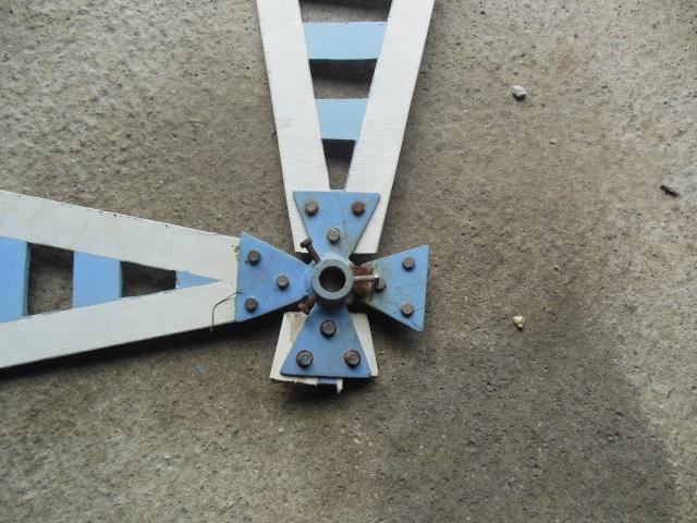 aile de moulin a vent qui casse Dscn1216