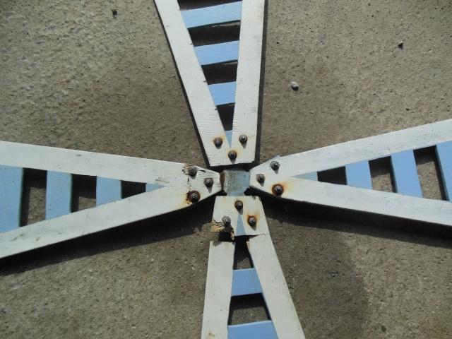aile de moulin a vent qui casse Dscn1217