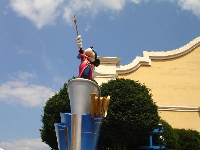 Disneyland du 8 au 10 juillet et Paris du 14 au 15 août 2013, avec les enfants - Page 3 Dsc04571