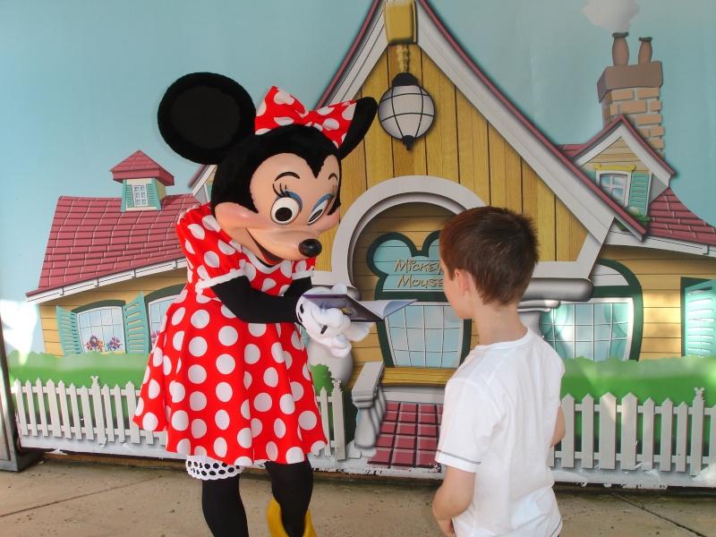 Disneyland du 8 au 10 juillet et Paris du 14 au 15 août 2013, avec les enfants - Page 3 Dsc04624