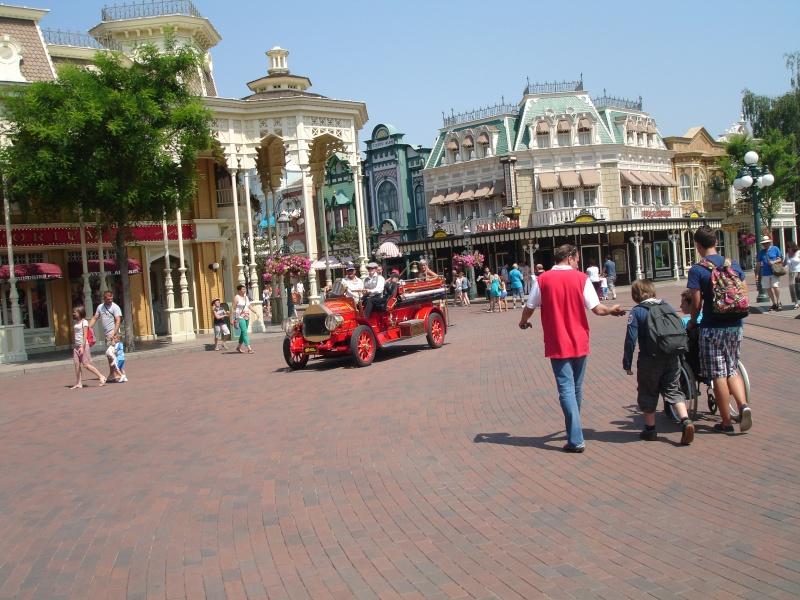 Disneyland du 8 au 10 juillet et Paris du 14 au 15 août 2013, avec les enfants - Page 3 Dsc04630