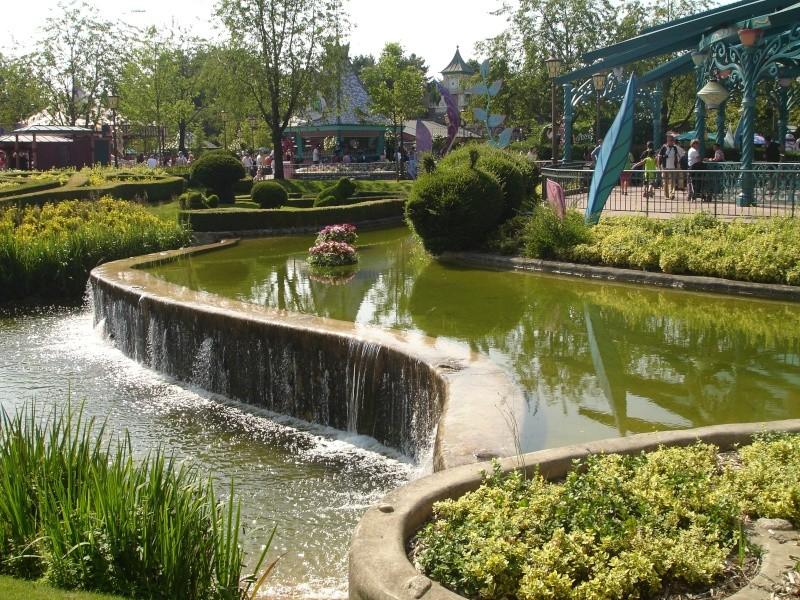 Disneyland du 8 au 10 juillet et Paris du 14 au 15 août 2013, avec les enfants - Page 4 Dsc04636