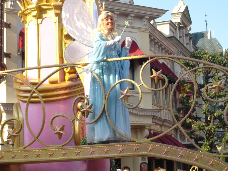 Disneyland du 8 au 10 juillet et Paris du 14 au 15 août 2013, avec les enfants - Page 4 Dsc04644