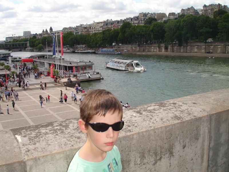 Disneyland du 8 au 10 juillet et Paris du 14 au 15 août 2013, avec les enfants - Page 4 Dsc04819