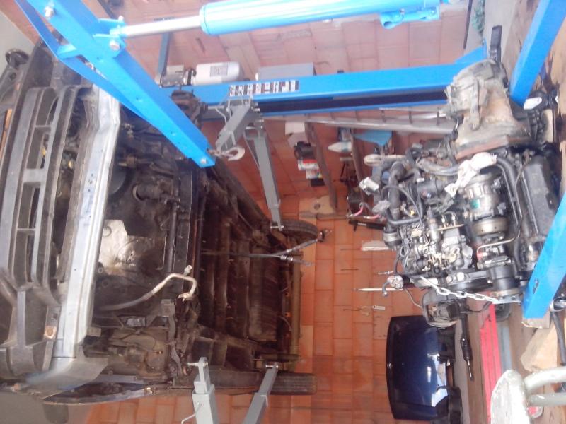 dépose moteur 2.5 TD Img_2024