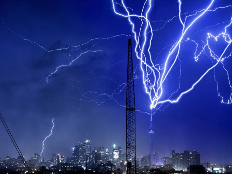 L'orage ~~ Les éclairs Il_est10