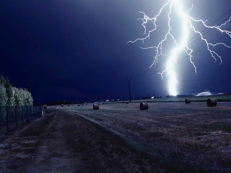L'orage ~~ Les éclairs Raside10