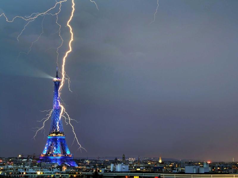 L'orage ~~ Les éclairs Tour_e10