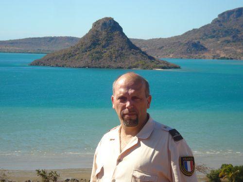 [Campagne Madagascar - Divers] Départ du dernier marin français de l'Ambassade à Diégo Diego110