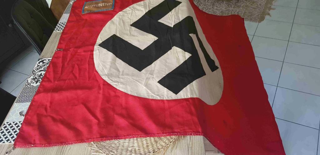 Drapeau NSDAP Ortsgruppe de la ville de Litzelstetten : estimation 20200840