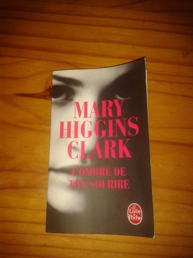 Livre Poilicier Mary Higgins Clarck: l'ombre de ton sourire 2013-028