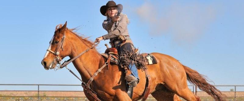 Cowboy Mounted Shooting :)  Kenda_10