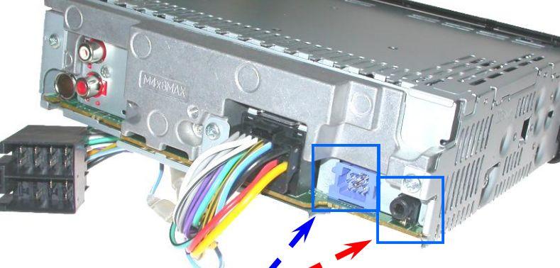 Autoradio pioneer + interface commande volant et affichage déporté Priseb10