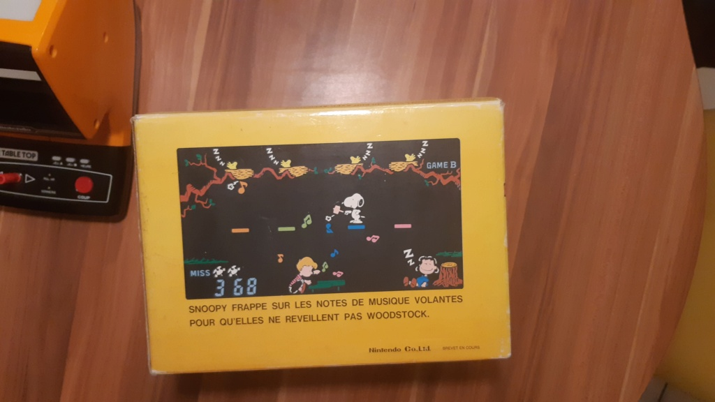 VENDS TABLE TOP SNOOPY 20210218