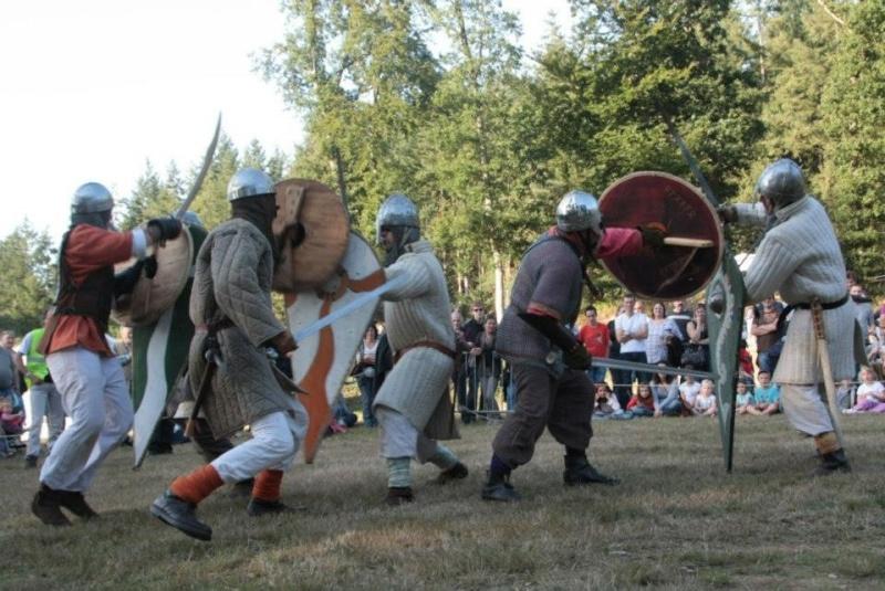 Fete médiévale Montfort sur Risle Montfo11