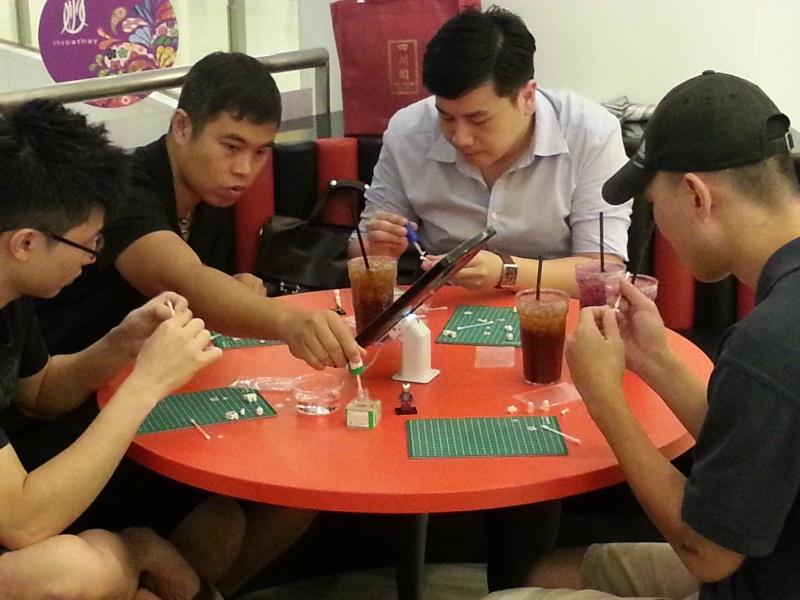 25/9 Minifig Customizing Workshop 20130915