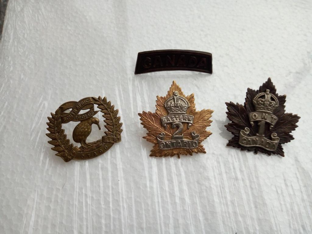 Cap badge WW1 NZ et CANADIEN Img_2086