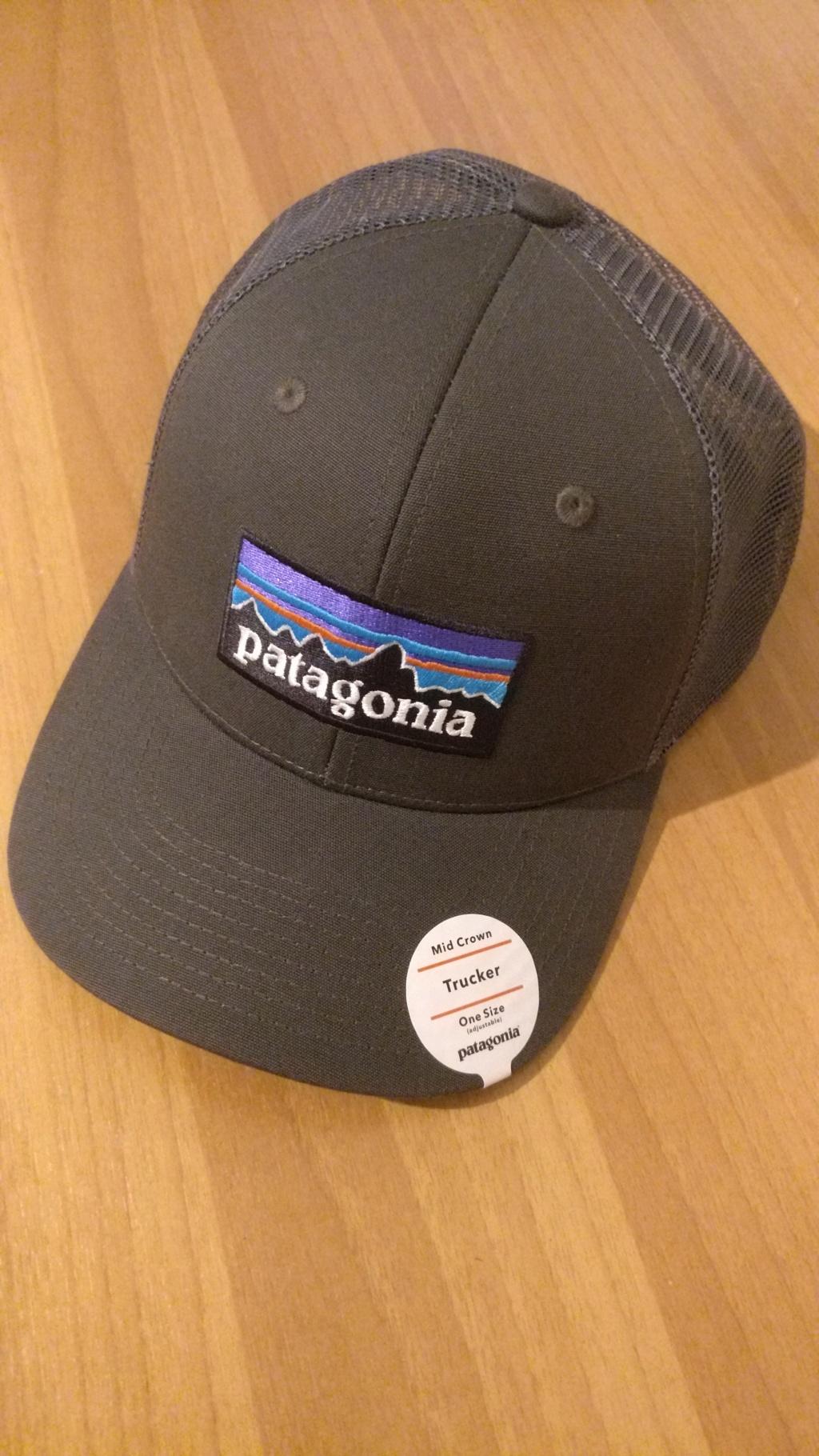 [vendo][nuovo] cappello PATAGONIA P-6 LOGO TRUCKER Img_2083