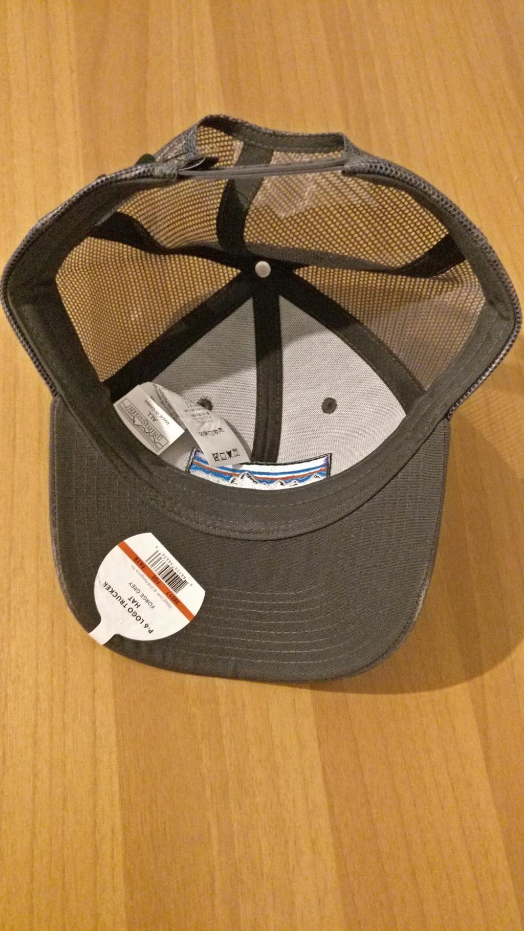 [vendo][nuovo] cappello PATAGONIA P-6 LOGO TRUCKER Img_2085