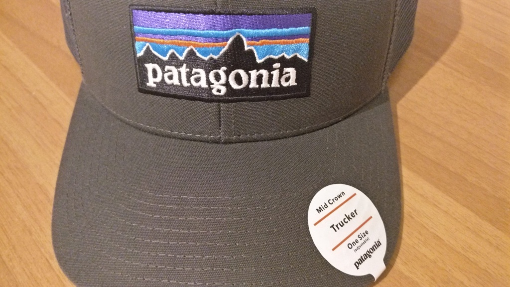 [vendo][nuovo] cappello PATAGONIA P-6 LOGO TRUCKER Img_2086