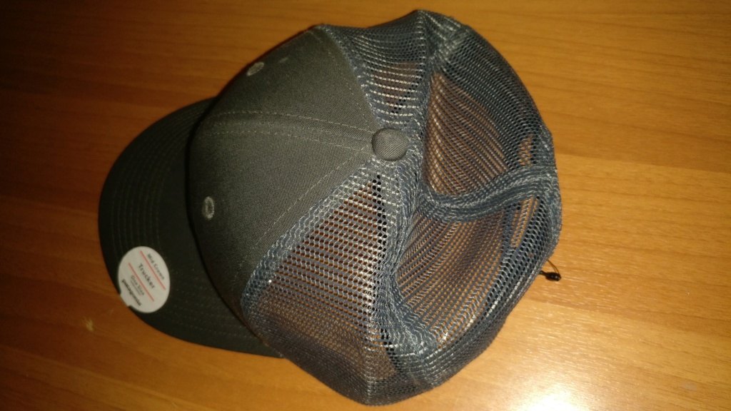 [vendo][nuovo] cappello PATAGONIA P-6 LOGO TRUCKER Img_2087
