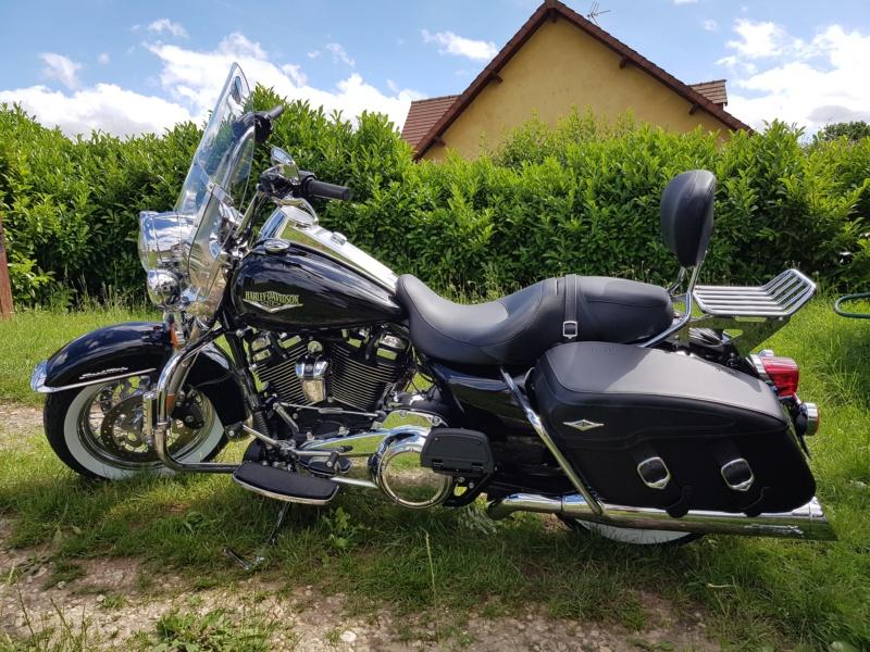 Road King uniquement, combien sur Passion-Harley  - Page 10 20180647