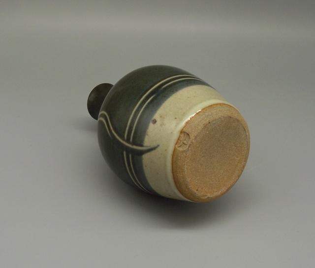 Winchcombe Pottery Vase - Ray Finch? Dscf8120