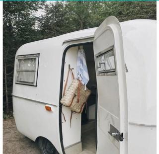 Le «makeover» de cette mini-roulotte vintage vous donnera envie de vivre d'amour et d'eau fraîche Captur29